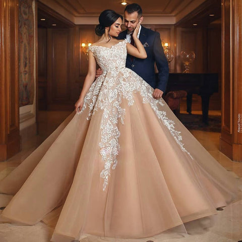 products/Gorgeous_Long_High_Quality_Elegant_Hot_Sale_Lace_Appliques_Wedding_Dresses_Online_e1251b6d-3341-490f-a512-3954afd284ba.jpg