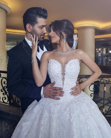 products/Lace_Appliques_Sweetheart_Tulle_Wedding_Dresses_Princess_Fashion_A-Line_Ball_Gown_with_beads_2.jpg