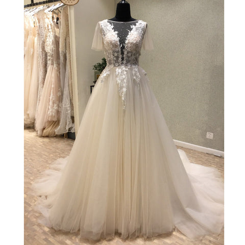 products/wedding_dress_bccc4792-84a0-4c24-9537-f5bc1269d568.jpg