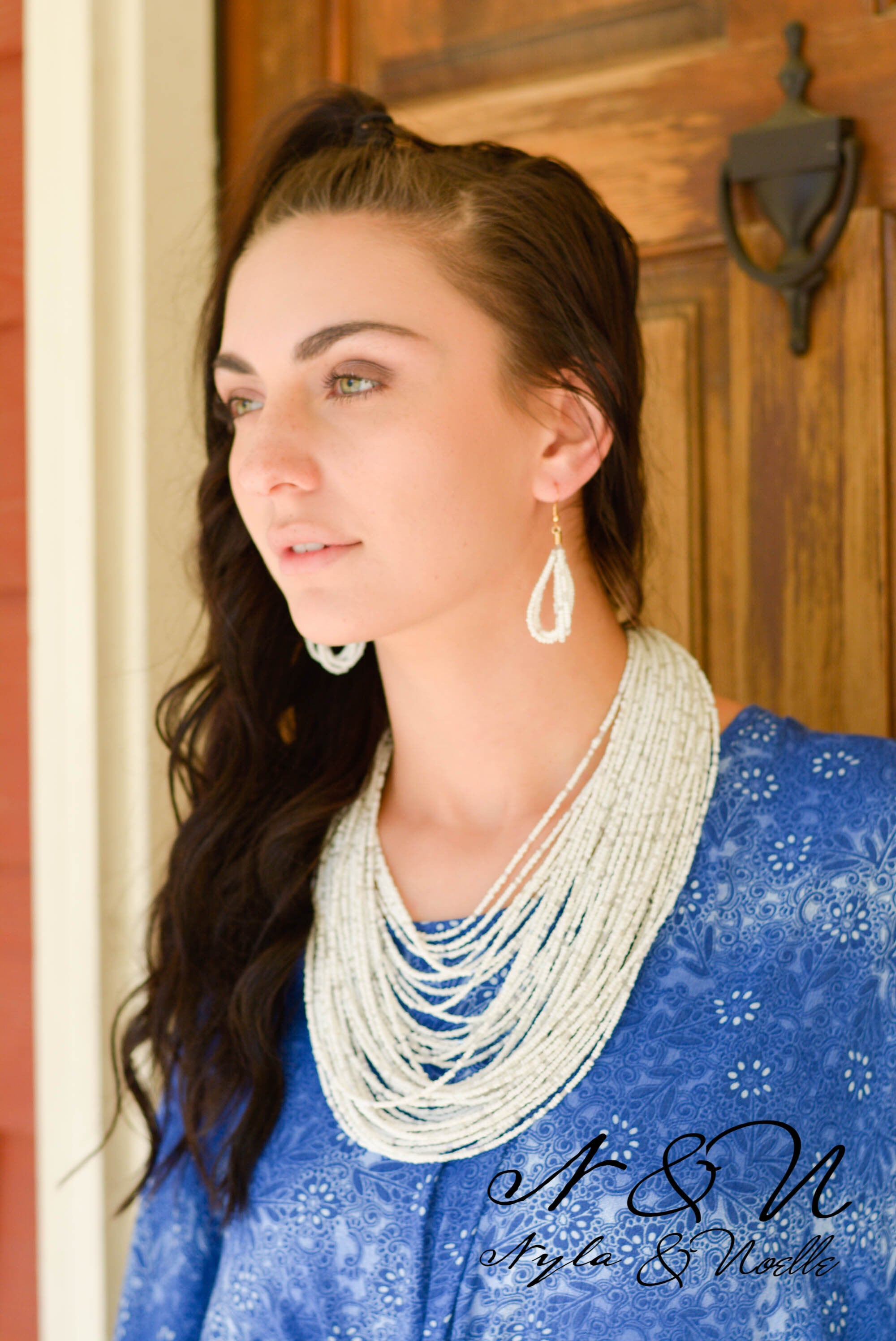 WHITE BEAD COLLAR - Necklace and Earring Set