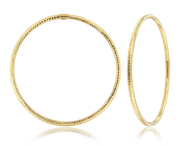 Classic and Dazzling 14k Yellow Gold Bangle