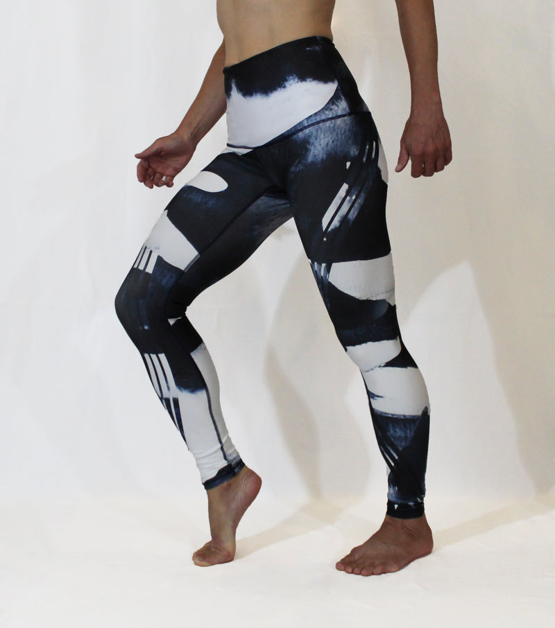 AUGUST - The Orca Motion Leggings - Sold Out