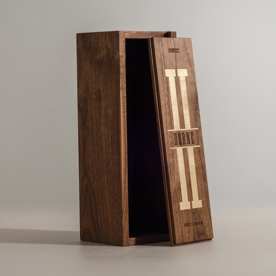 Walnut Uno - Inlaid Monogram Wine Box - Signature Series