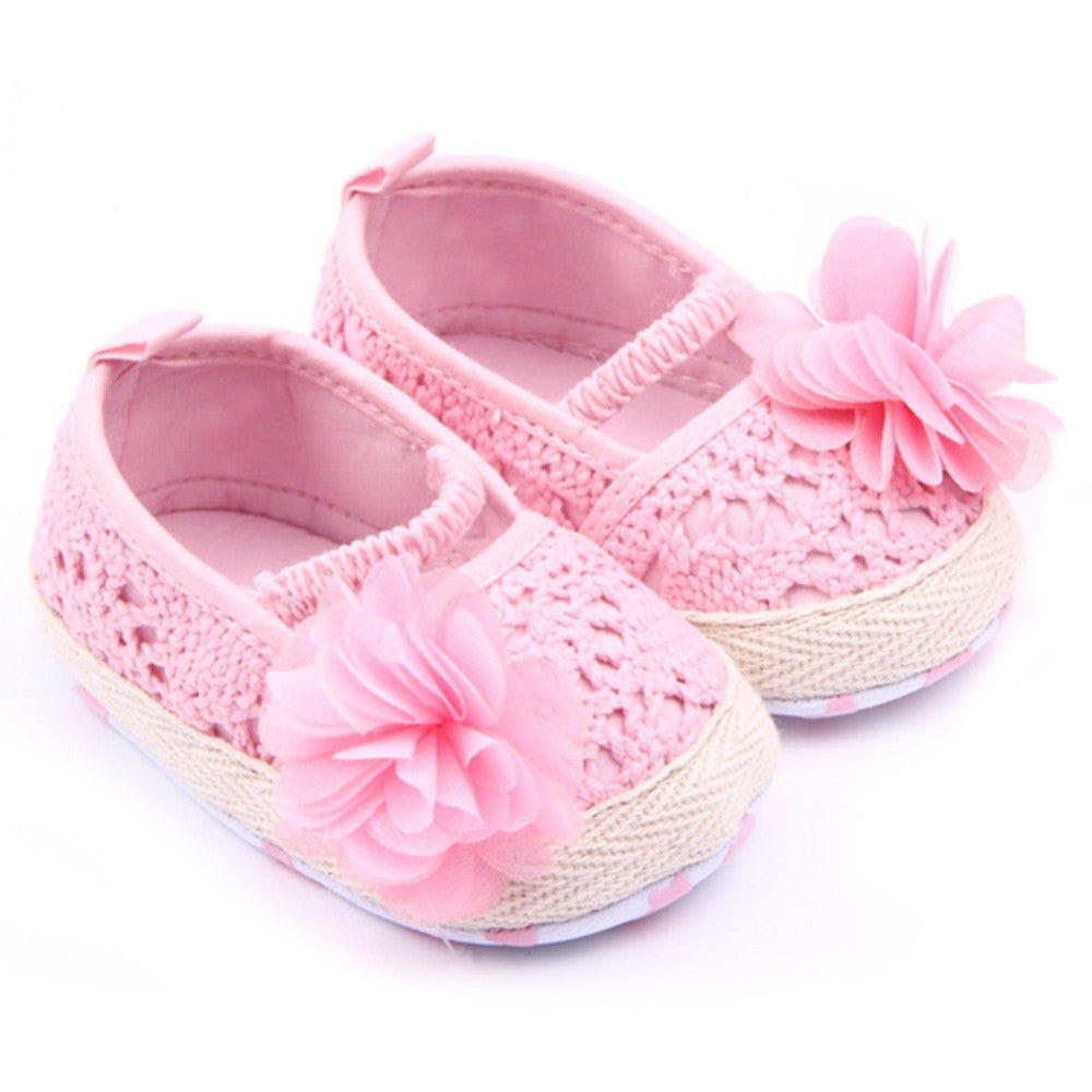 Crocheted Flower Shoes | meemu.com | Kids fashion, accessories