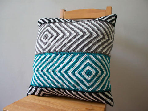 Baltic Cushion by Leonie Morgan in Deramores Studio DK