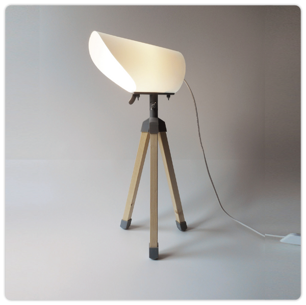 3D Printed Tripod Table Lamp - ModiDen