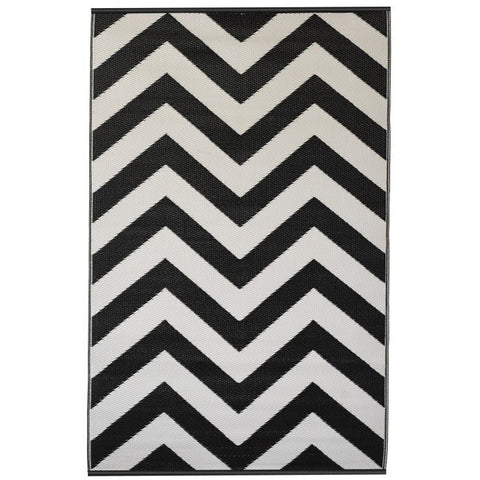 Recycled plastic outdoor rug Laguna black and white