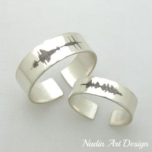 Sound wave engraved band rings set