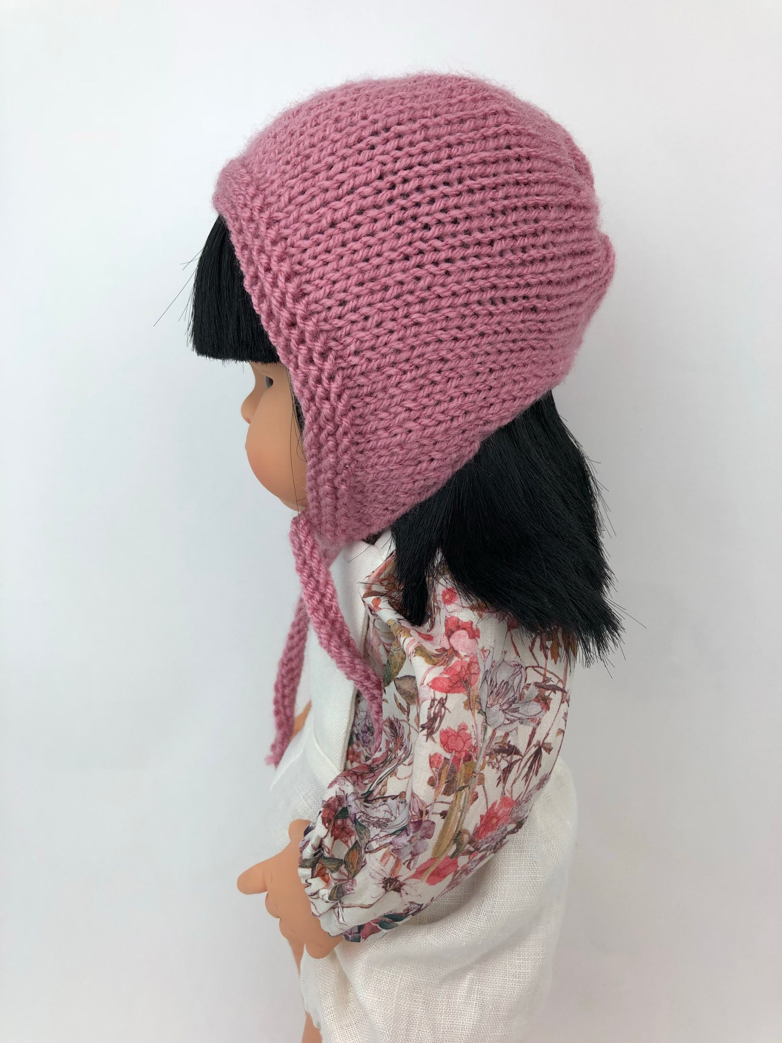 Knitted Round Bonnet