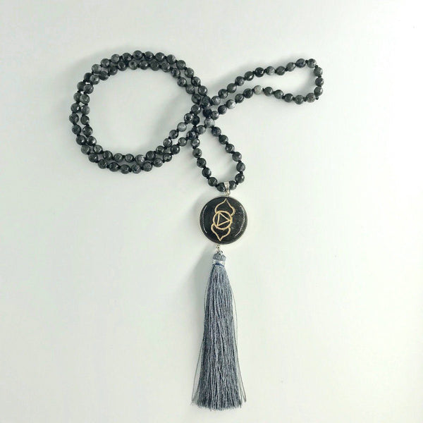 Third Eye Chakra Obsidian and Labradorite Gemstone Mala, Manipura - Handmade in Amsterdam