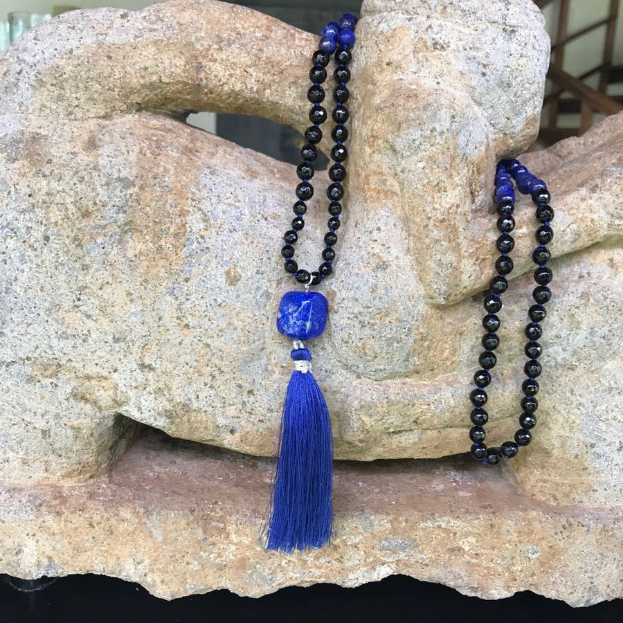 Blue Lapis Lazuli and Black Onyx Gemstone Mala, Manipura - Handmade in Amsterdam