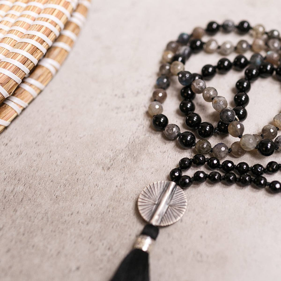Black Onyx and Multicolour Labradorite Gemstone Mala, Manipura - Handmade in Amsterdam