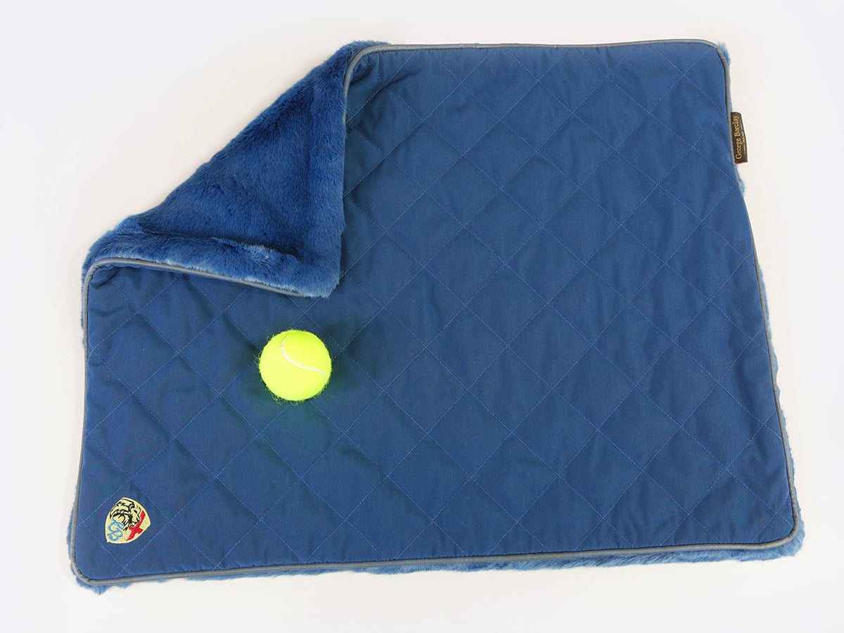 Holmsley Pet Throw – Regal Blue, 70 x 55cm (27.5 x 22in.)