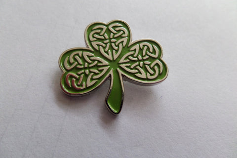 CELTIC SHAMROCK folk punk indie  METAL BADGE the pogues - Savage Amusement