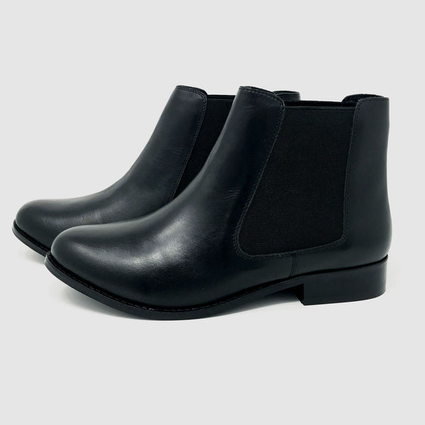 Chelsea Boots in Black - Taramay Design