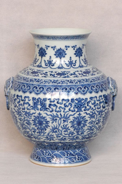 Masterpiece Chinese Qing Blue and White Vase Qianlong Mark and Period