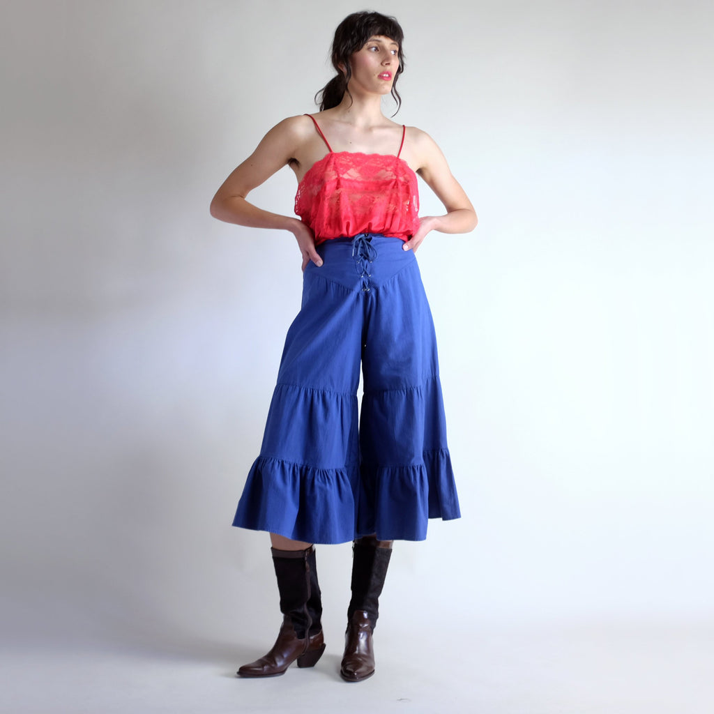 Vintage 70s Lace Up Ruffled Gaucho Pant - Sz 3 / W23