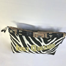 https://barbz.net/collections/make-up-cosmetic-bags-medium-to-large-travel-makeup-organizer-barbznet
