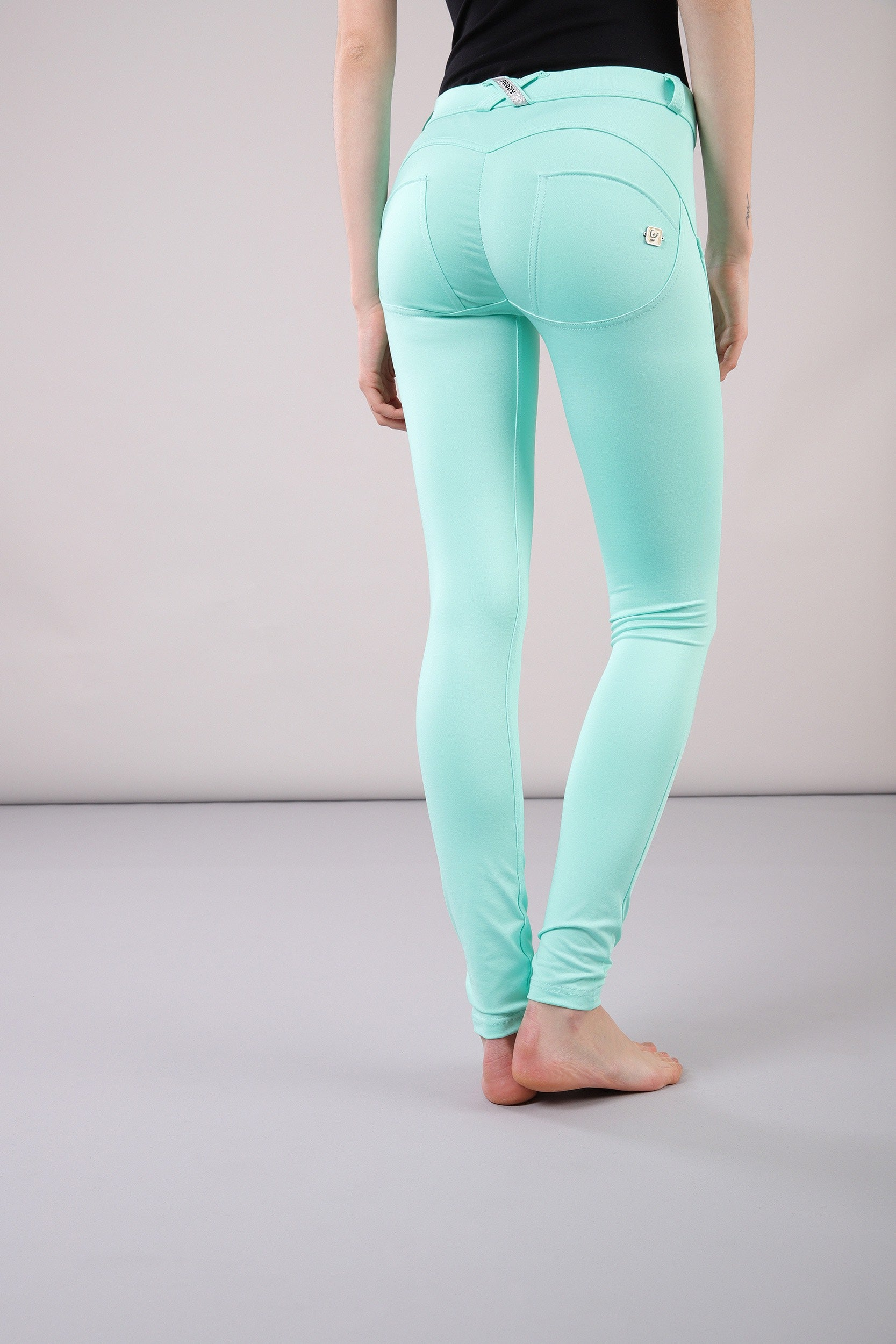 TURQUOISE D.I.W.O.® MID-RISE