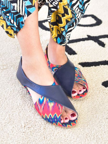 African Pattern ×Plain Pumps
