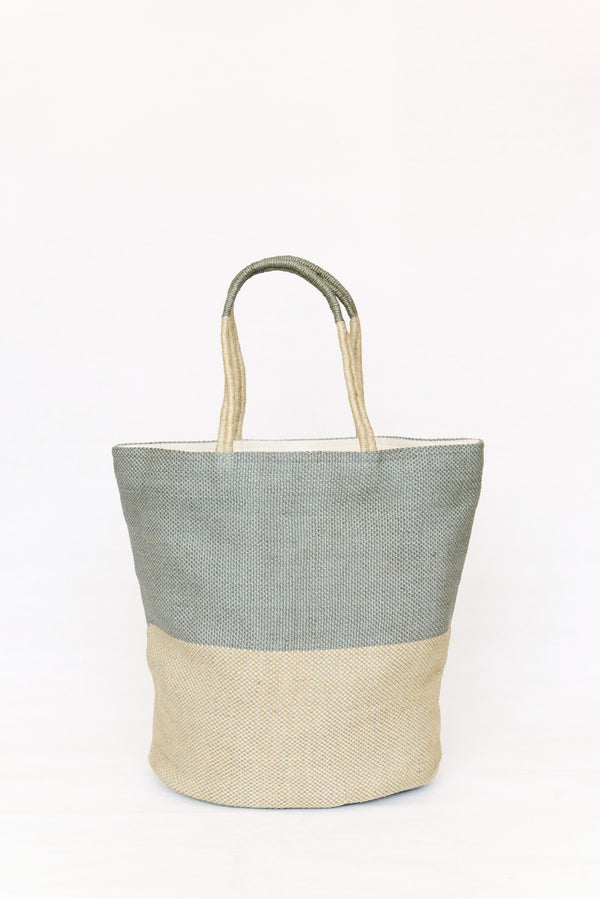 Beach bag -  handwoven with jute - Crystal clear