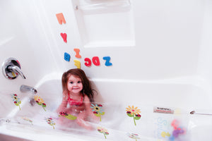 Ladybug and flowers design splash guard for bathtub