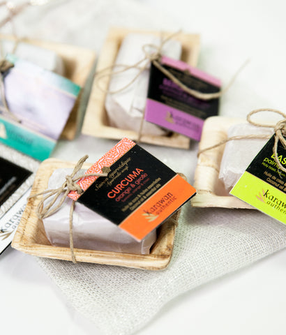 Linen pouch with 4 Ayurvedic soaps