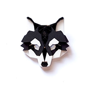 Wolf Head Brooch (Shinobi) by Sstutter