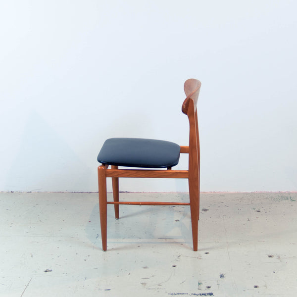 Oddhaus Vintage Luxembourg Vintage Danish Midcentury accent chair teak wood black vinyl seat side view
