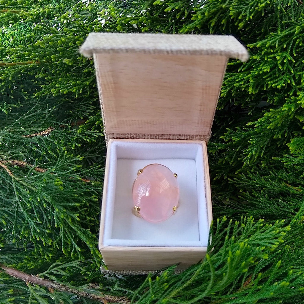 large oval Rose Quartz gold-plated adjustable cocktail ring in gift box