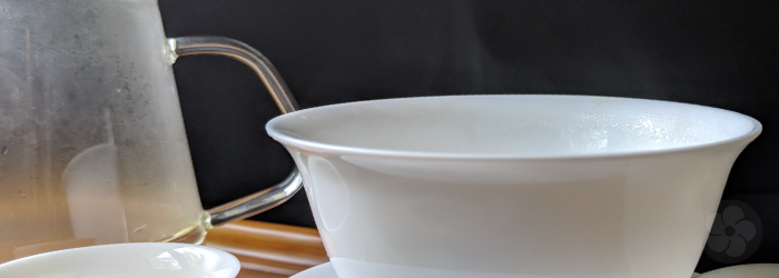 Rinsing the teaware before adding tea leaves helps to maintain water temperature during brewing