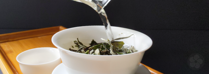 warming the teaware ahead of time can effectively release aromas before brewing