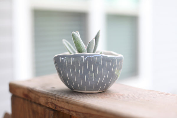 Oval Planter- Grey carved dashes