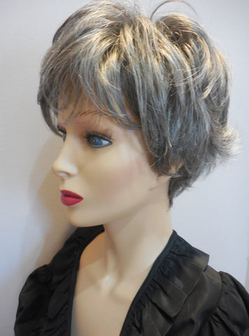Clearance Display Model Wig | Estetica Molly R44