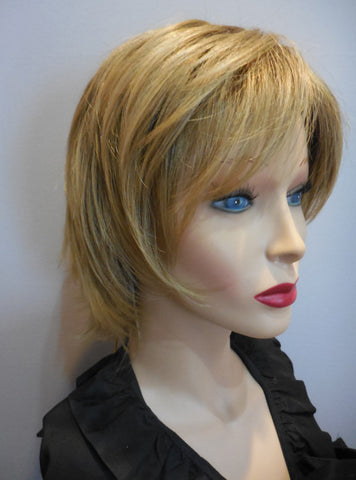 Clearance Display Model Wig | Raquel Welch Rendezvous 1416T