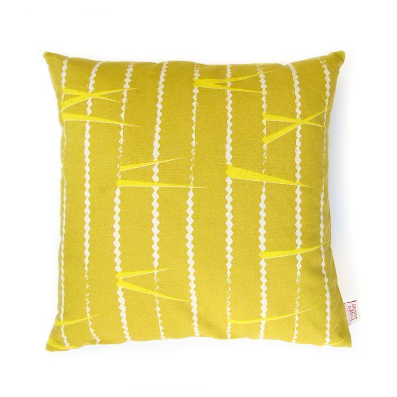 ZIGZAG THROW PILLOW