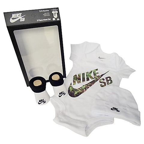 Nike 3 Piece Infant Set