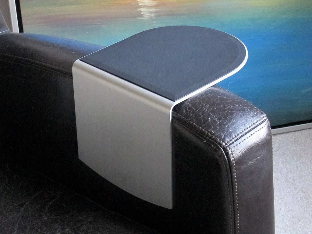 Wingz Table on Ikea Jappling chair inside view