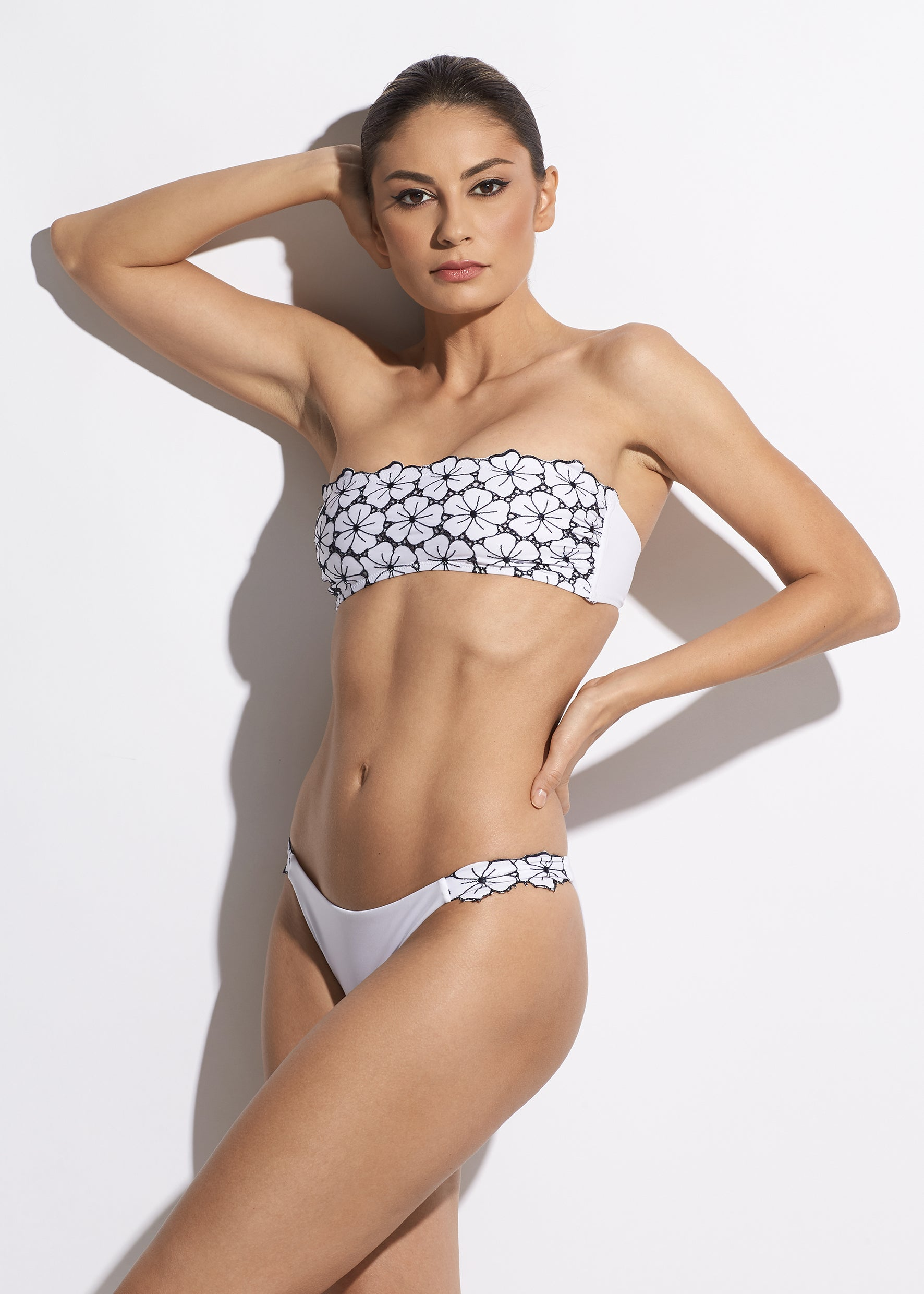 La Dolce Vita Bikini Brief in White/Navy