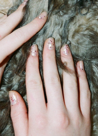 How to create these pink glitter disco nails