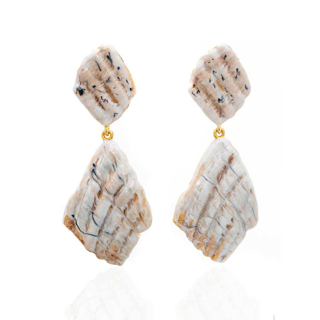 Large Ridged Shell Drop Earring Beige