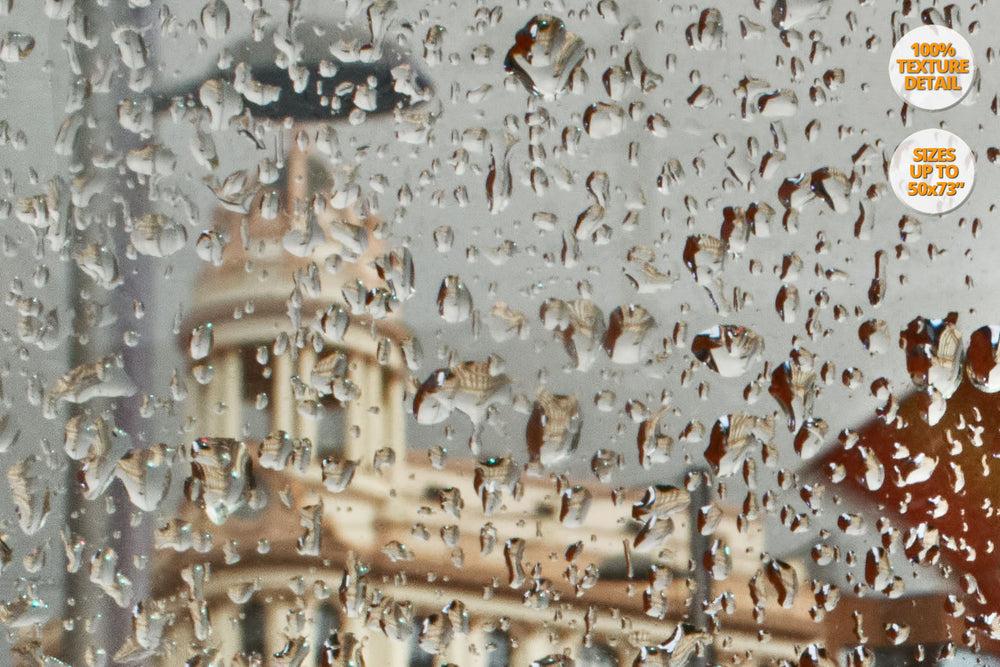 Heavy rain in Gran Via, Madrid. | 100% Magnification Detail View of the Print.