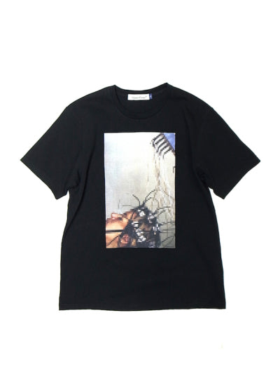 Undercover: Larms 1 Tee (Black)