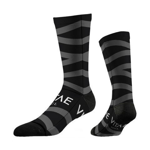 thin-motorcycling-socks-grey-zag-chaussettes-fines-vitae-soul-vetement-clothing-moto