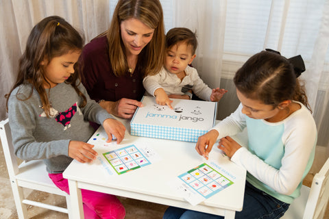 Children playing Chinese bingo game