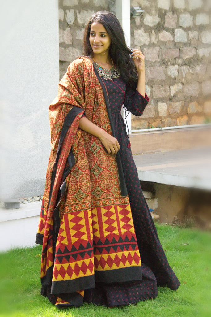 Black Angrakha Tunic with Dupatta - The Ethnic Fix - Dubai - UAE
