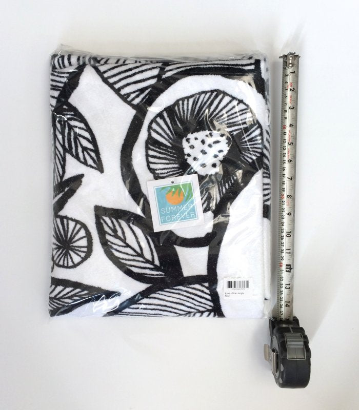 Round Towel, Eyes Of the Jungle, Black & White with Fringes