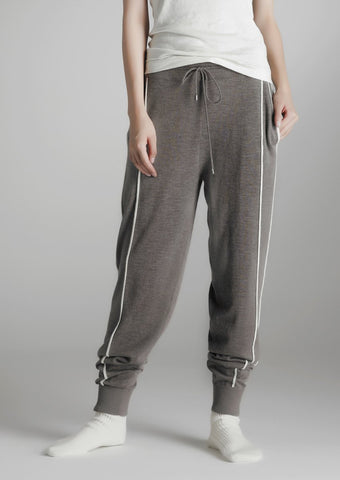 Loose-fit cashmere trousers