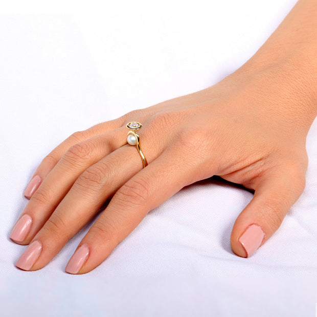 Venus Diamond Pearl Gold Ring