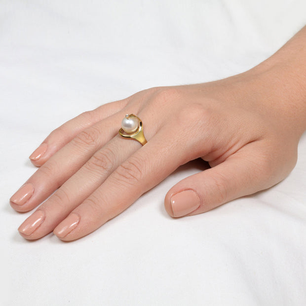 Ra Pearl Diamond Gold Ring